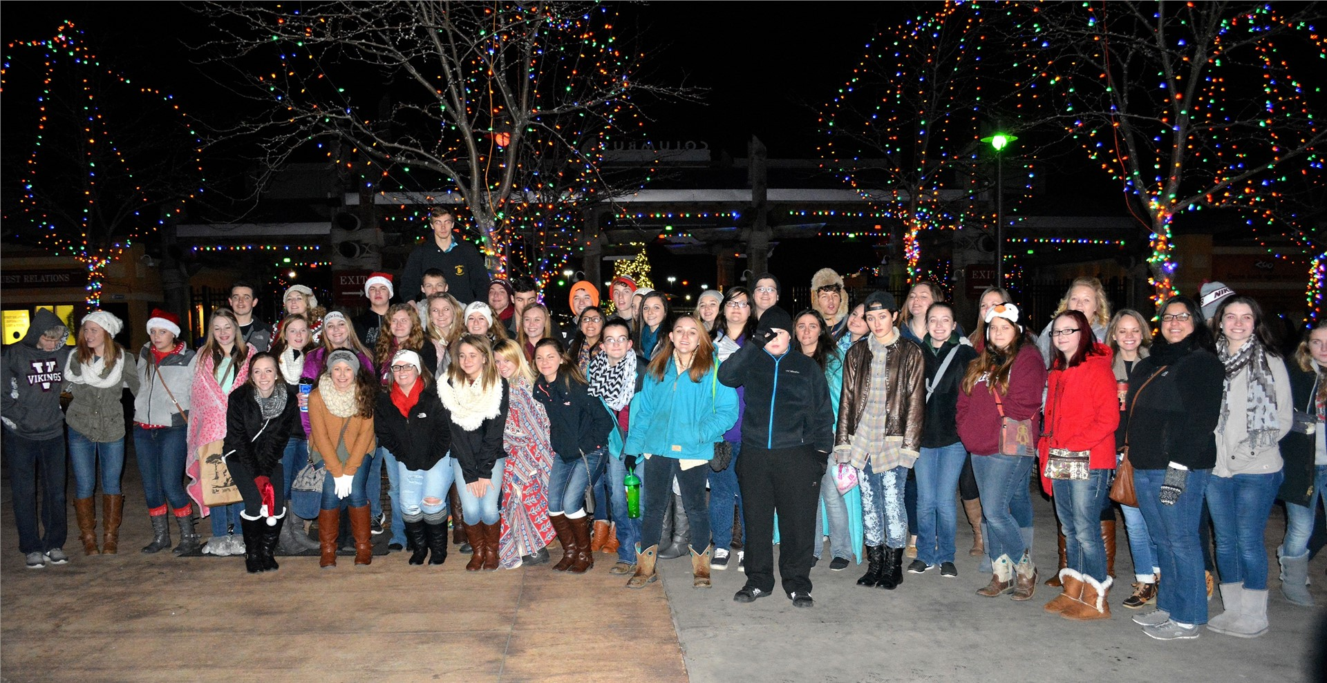 FCCLA and Spanish Club - Zoo Lights